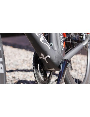Big down tubes and bottom bracket areas usually mean stiff pedaling platforms, and that proved true here
