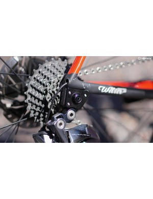 Should you want to switch the bike to a quick-release/rim-brake machine, the dropouts detach