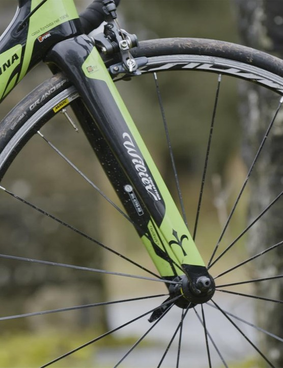 The GTR SL's frame and fork weigh a claimed 990g and 390g respectively for a size medium