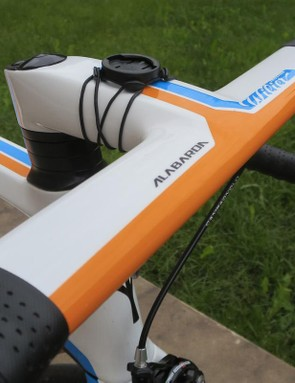 The integrated Alabarda bar/stem is painted to match whichever model you choose
