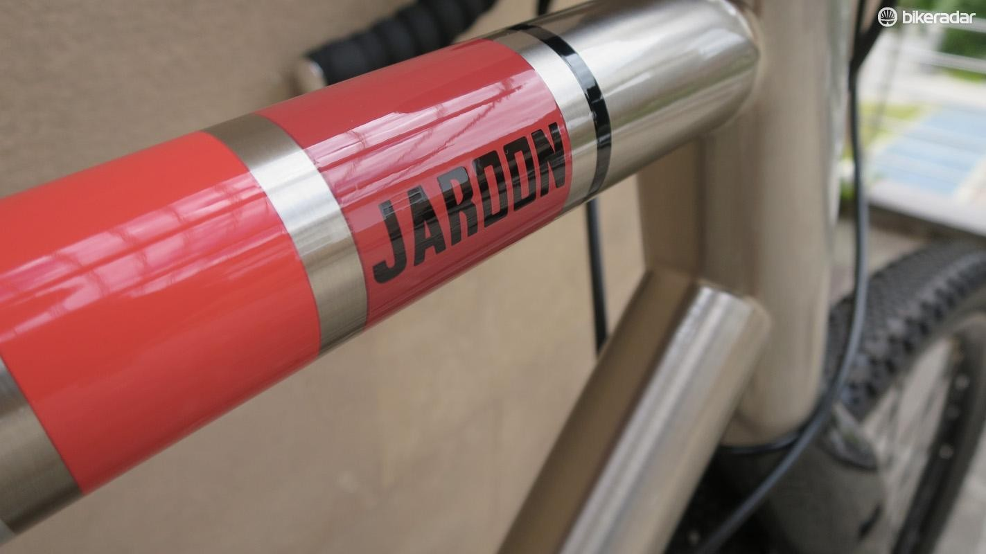 The Jaroon is an exciting departure for Wilier and one we approve of!
