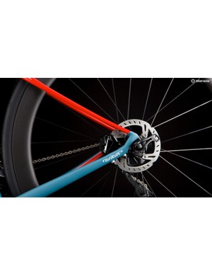 Asymmetric chainstays are joined by slimline, gently arcing seatstays