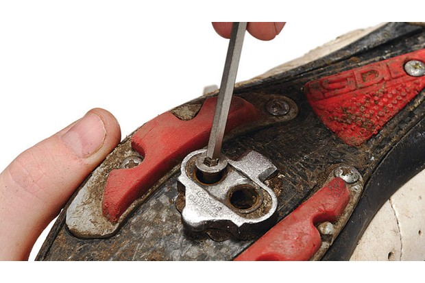 Step 3: check cleat condition