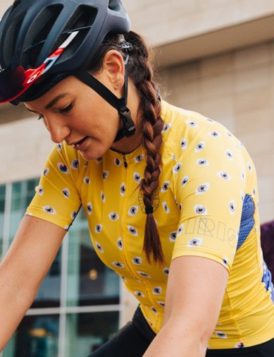 We love the visual pun of of the IRIS Occhio jersey