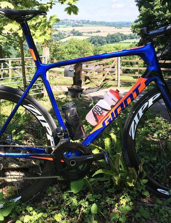 Giant's TCR Advanced SL disc frameset manages to combine serious speed and agility with comfort levels I wouldn't associate with a race bike — it's a truly exceptional all rounder