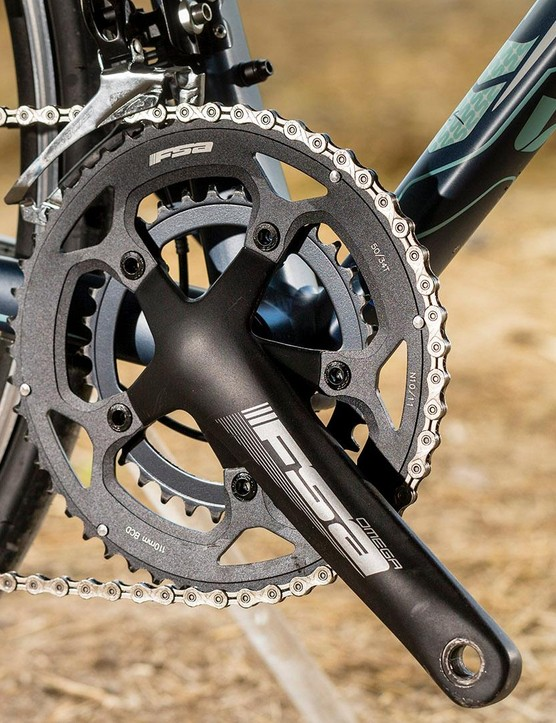 The Liv Avail 1 features an FSA crankset