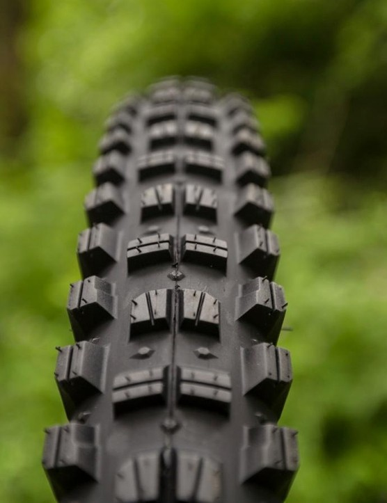 The Judge is a totally new Tyre from WTB and designed to be used on the rear for all those budding all-mountain riders and enduro racers. It comes in both 650b and 29in sizes and is 2.4in wide