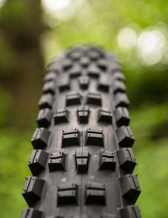 While the Trail Boss doesn't receive any major changes, tread block height is increased by 1mm and they're now spread out a little more to help clear mud more rapidly. Available widths now include a 2.4in and 2.6in options