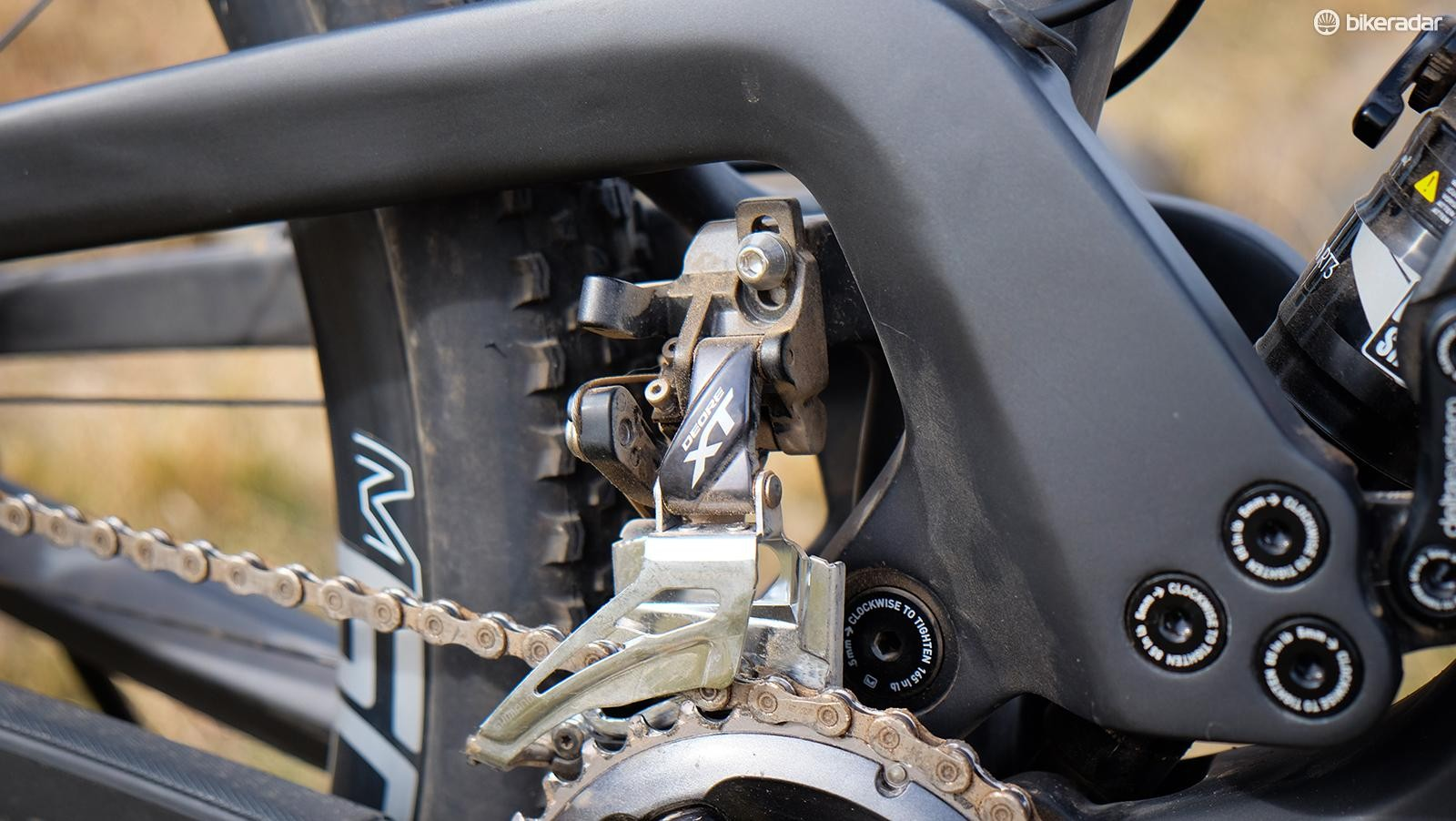 Mountain bike front derailleurs are still relevant as far as Shimano is concerned