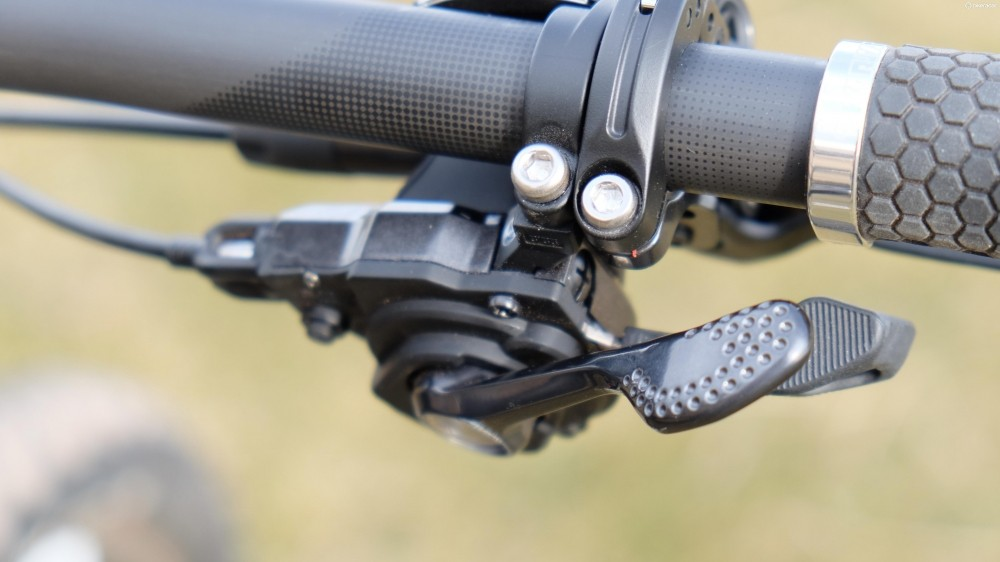 The XT shifters feel just as refined as the flagship XTR units