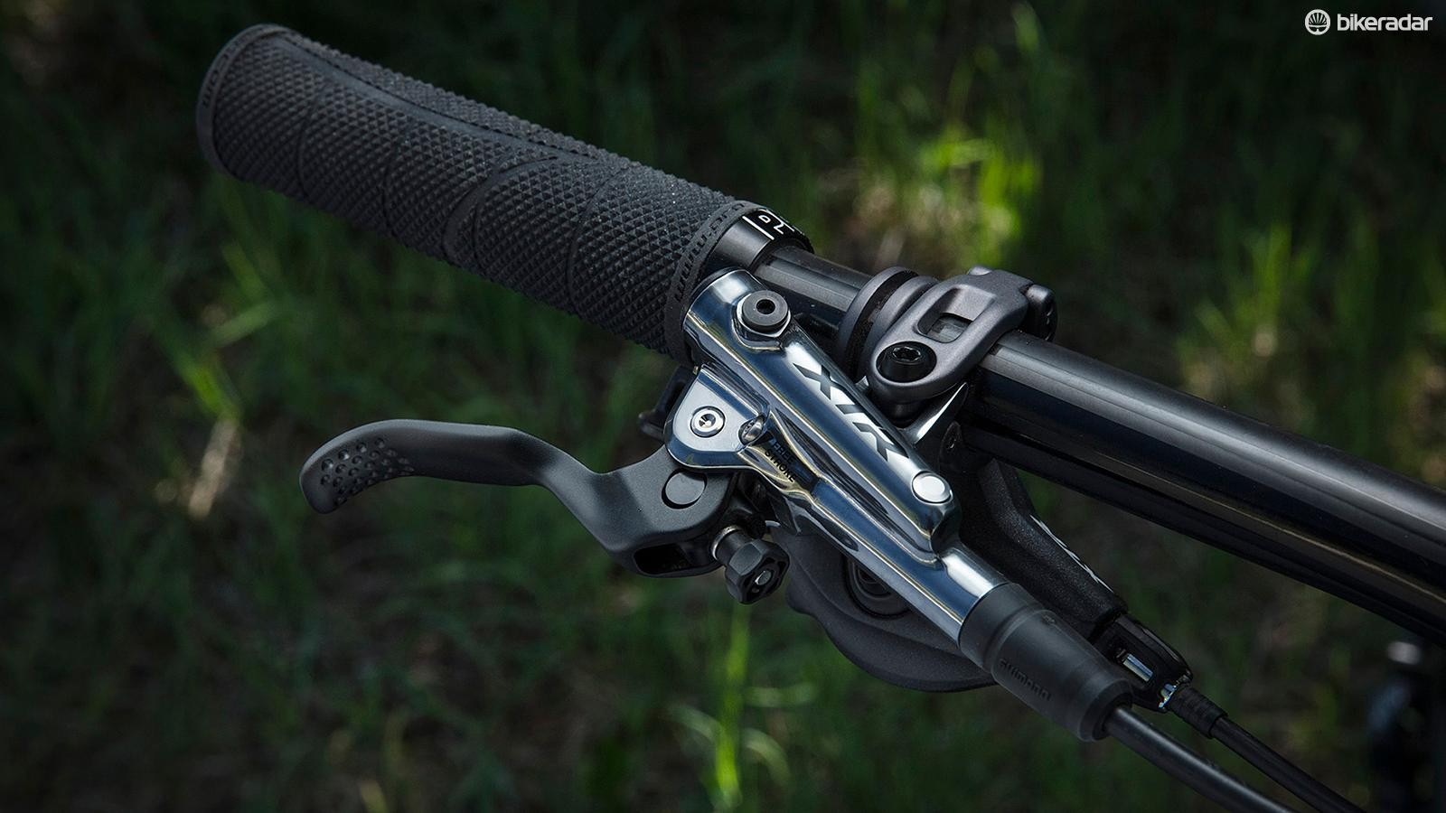 The BL-M9120 Enduro brake levers provide a wide range of modulation
