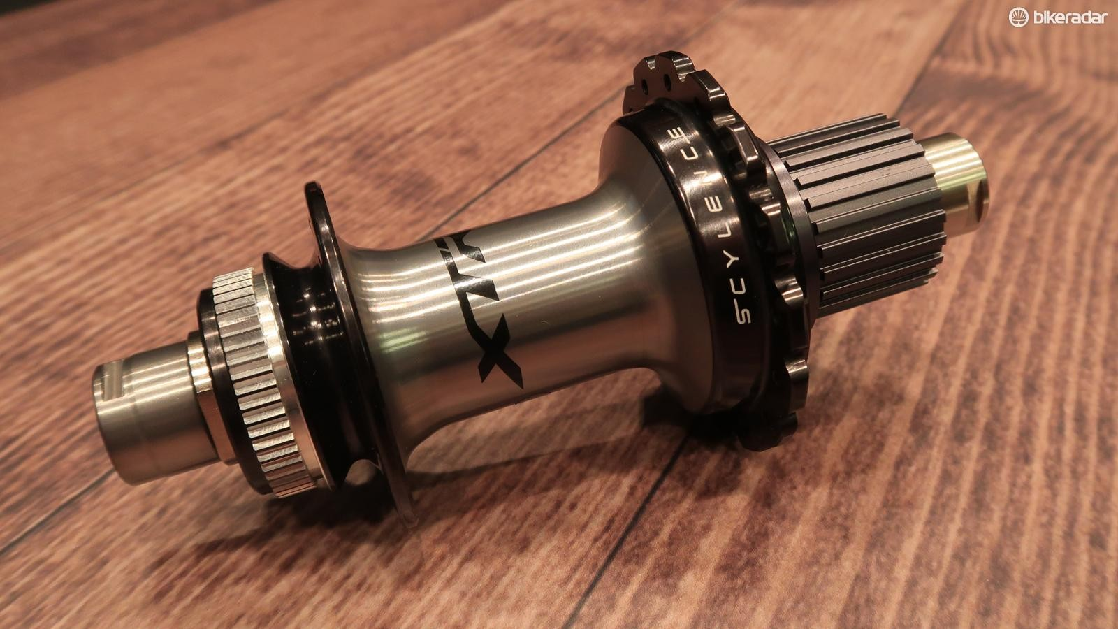 The new SCYLENCE hub offers relatively fast engagement that's completely silent
