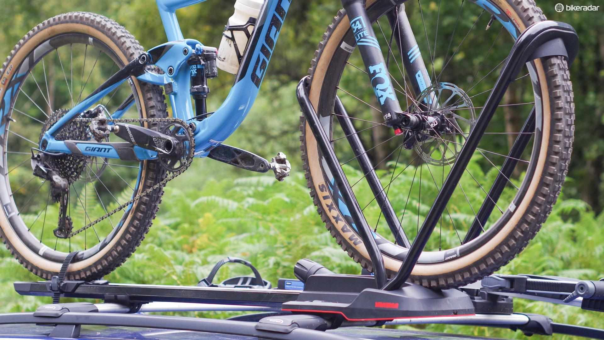 The Yakima Highroad is a premium roof rack which doesn't touch your frame