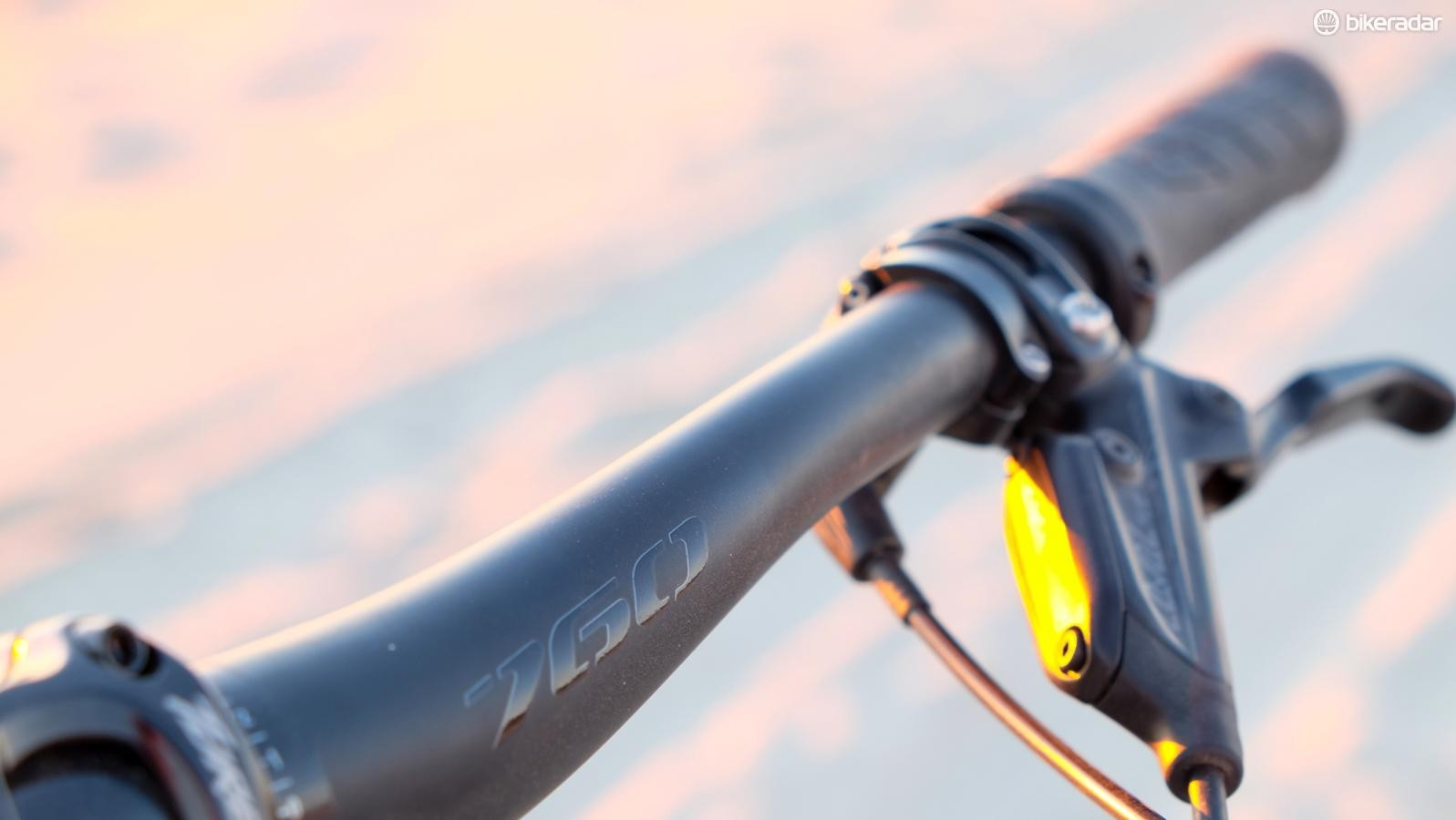 Yeti now has its own line of 35mm handlebars. A 760mm bar steers the SB100
