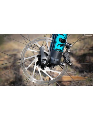 The SB5.5c comes equipped with a Fox 36 with 110mm 'Boost' axle spacing