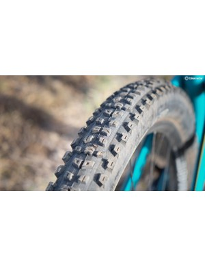 In the rear the a 29x2.3in Maxxis Aggressor rolls quickly with plenty of bite from the side knobs