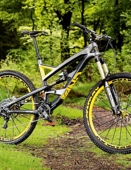 The YT Capra CF Pro combines a lightweight carbon fibre frame with an excellent value build kit