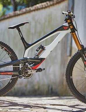 The YT Tues gets stretched out (very slightly) for 2018 and recieves a number of subtle but significant tweaks for 2018