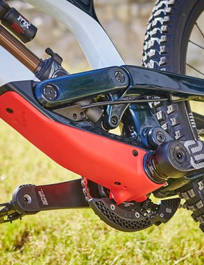 Integrated frame protection on the underside of the downtube, chainstay and seat stay help to keep the Tues quiet but more importantly, protected from trail debris and rock strikes