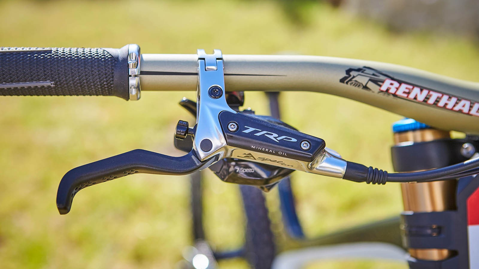The CF Pro Race bike uses Gwin's signature TRP G-Spec DH brakes complete with 203mm rotors front and rear
