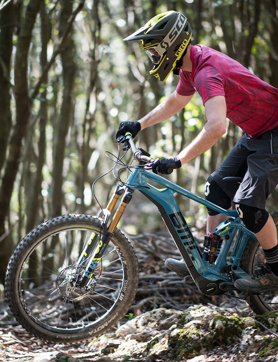 I rode BMC's Trailfox AMP SX and it was fun!
