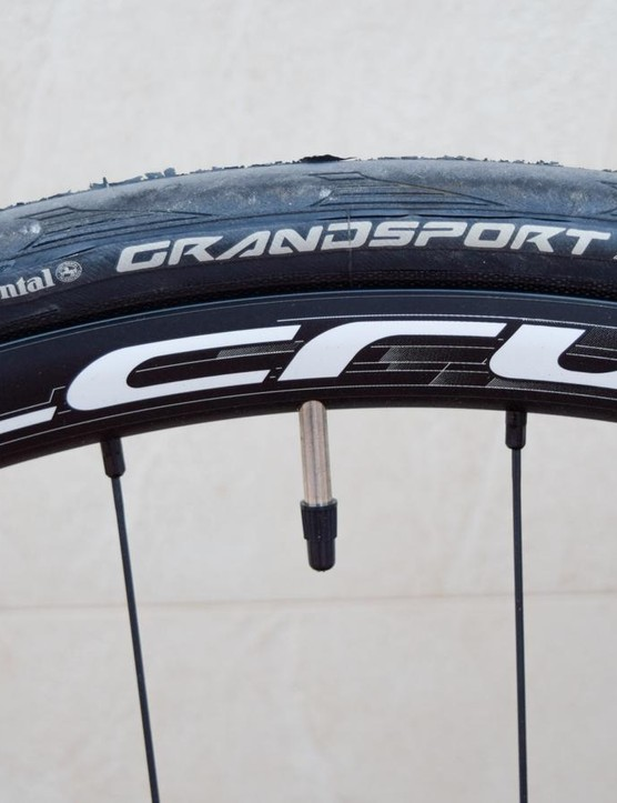 The Zenium SL comes fitted with 25mm tyres, but it can take 28s