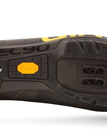 Easton uses Vibram rubber on its Empire VR90s