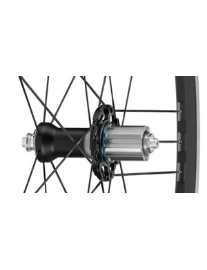 The rear hub also sees an alloy hub shell and cup and cone bearings