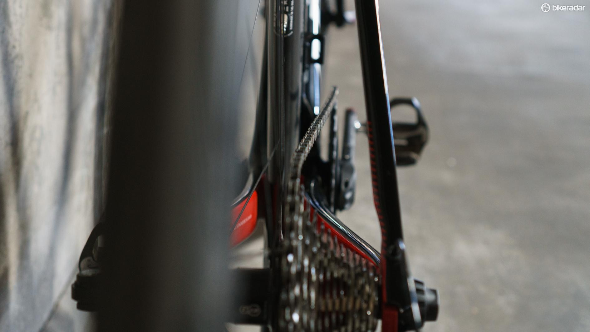 The chain is at a wild angle at the extreme ends of the cassette
