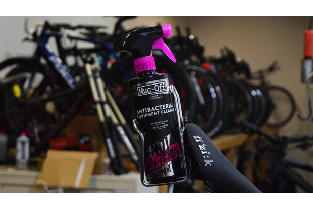 Muc-Off antibacterial spray