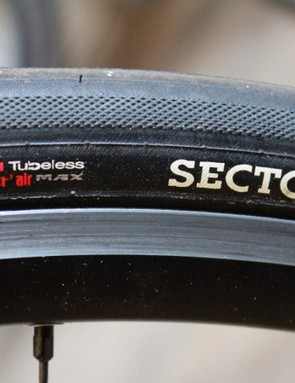 Hutchinson recommends use of its own sealant, Protect'air Max, with the tyres. We had good luck with Bontrager sealant, too
