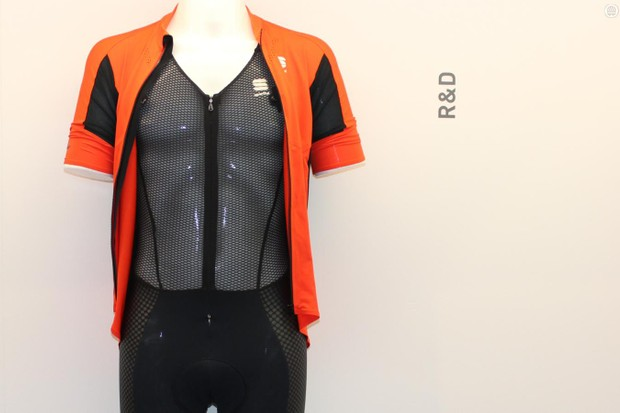 Sportful's R&D pushes the envelope on road clothing. For 2016 the R&D bib short features an integrated base layer in place of bib straps