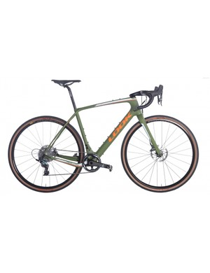 The SRAM Force version of the 765 RS Gravel comes with a matt green paintjob
