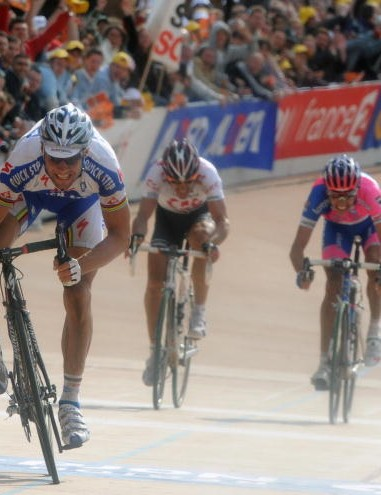 Belgian Tom Boonen wins in the Roubaix velodrome.