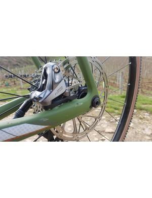 SRAM provides the braking via a Force caliper