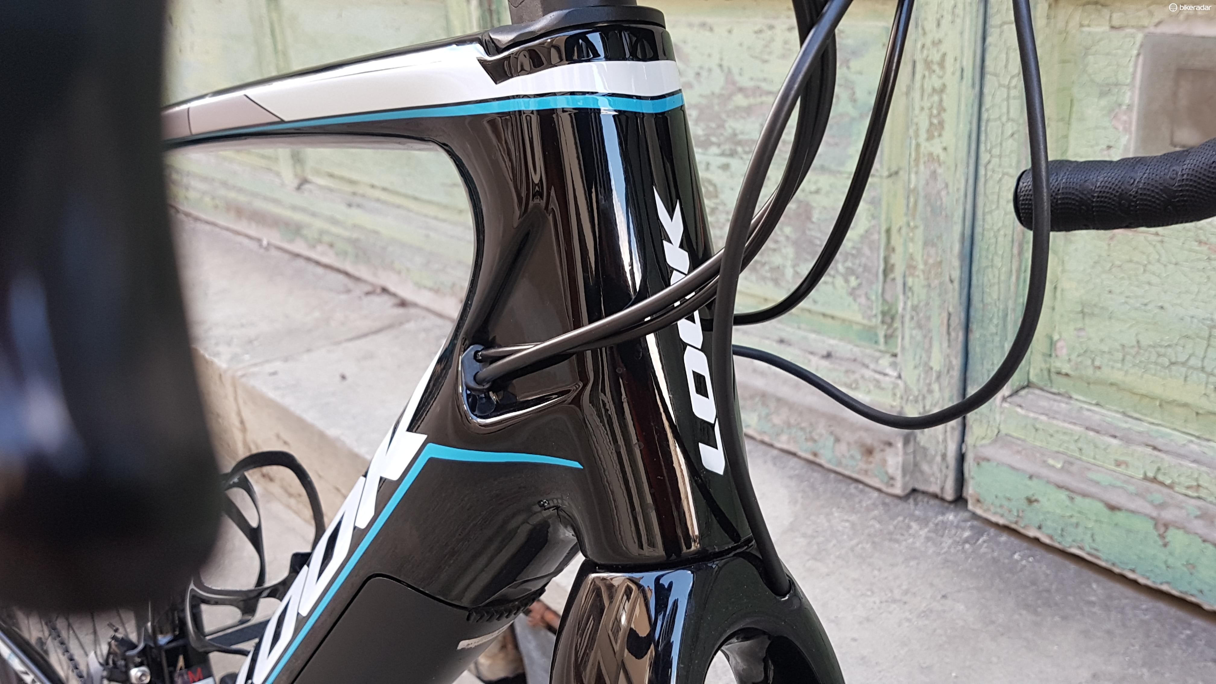 Neat cable routing from Look