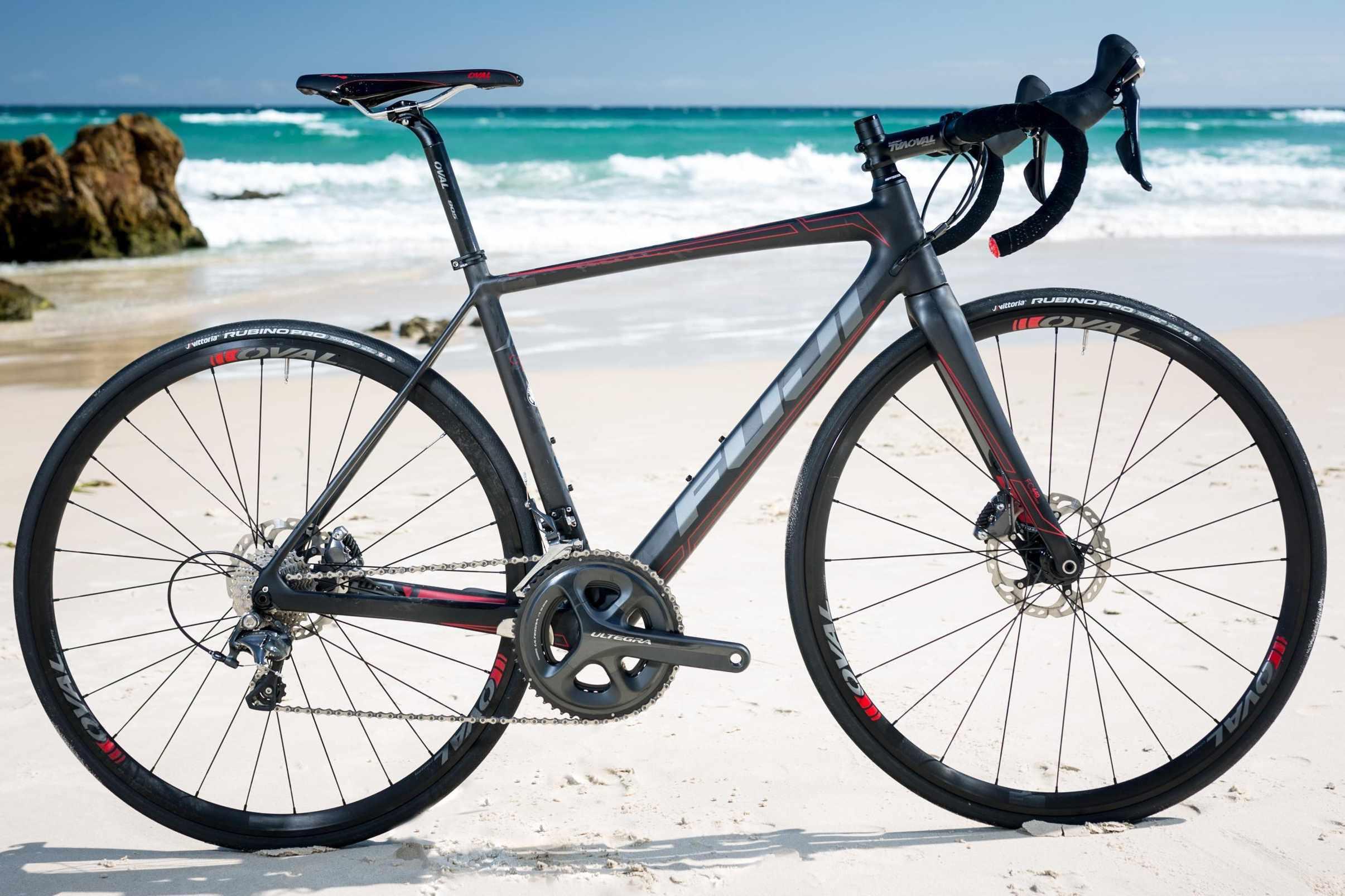 Fuji SL 2.1 Disc bike on beach