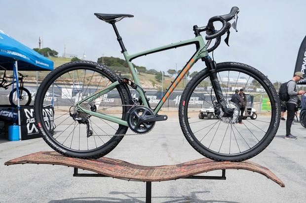 Niner MCR 9 RDO full suspension gravel bike