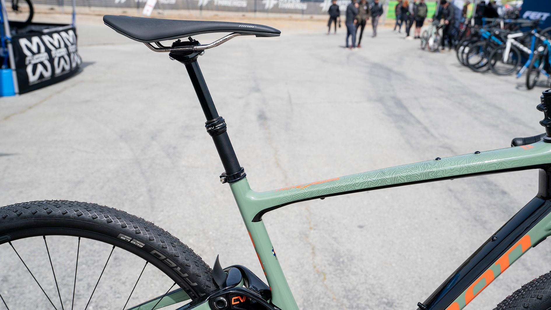 Niner MCR 9 NDO full-suspension gravel bike