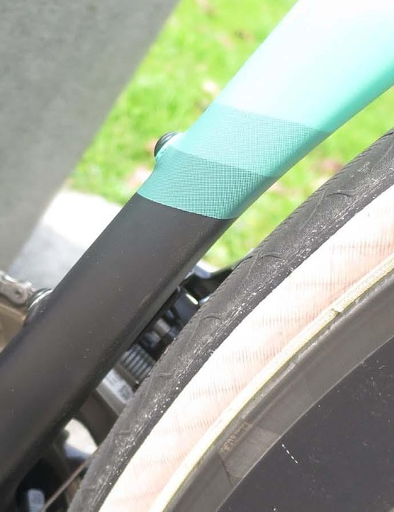 D-shaped seat tube