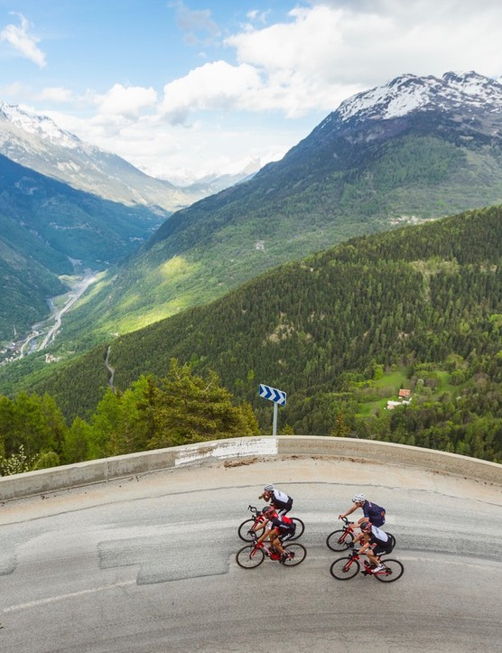 BMC hosted a few journalists for test rides in the French Alps