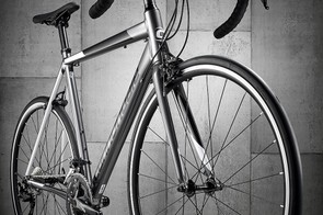 three quarter view cannondale caad optimo105