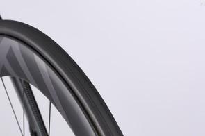 The super-wide rim is shod with a slim 23c Vittoria Rubino Pro Speed tyre