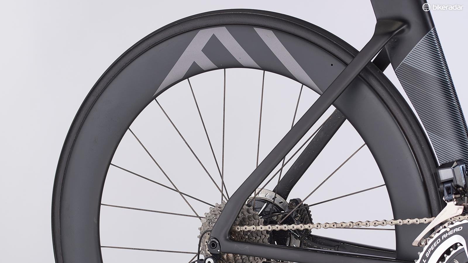 The seriously deep Knot 64 wheels are what you'd expect to find on a TT or triathlon bike