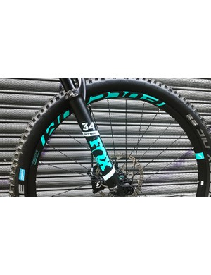 Fox 34 forks provide 150mm of front-end travel