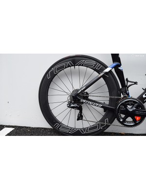Deep-rimmed Roval CLX 64 wheels further add to the aero performance of the bike
