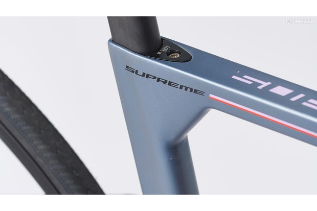 Close-up detail of the Fuji Supreme frame showing an aerodynamically shaped section near the seaport