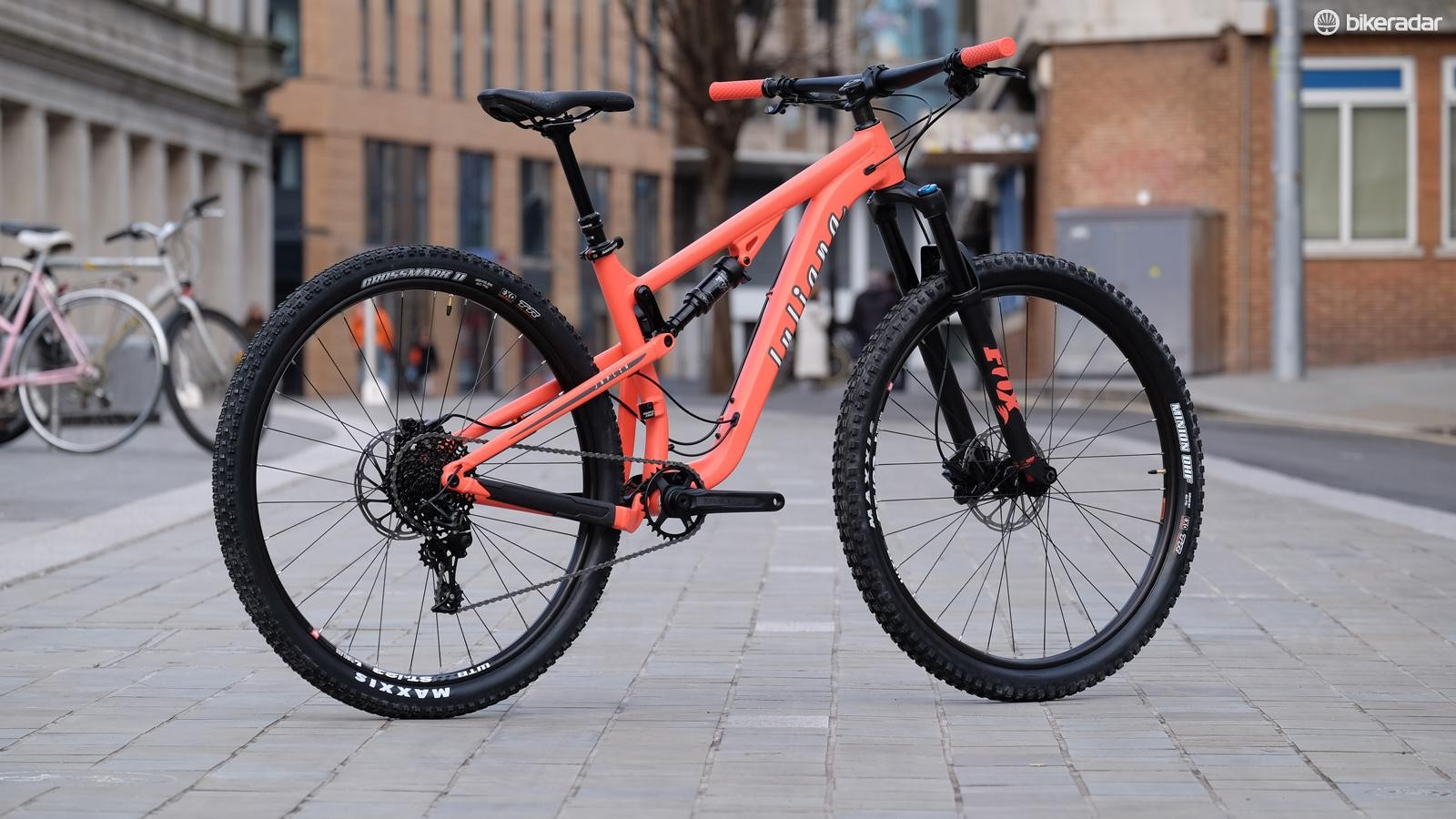The alloy-framed Juliana Jopline R: capable, fun and winner of Women's Trail Bike of the Year 2018