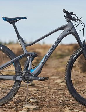 pack shot Lapierre Zesty AM 5.0 Ulitmate mountain bike