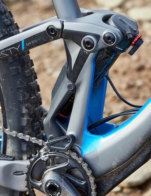 RockShox Deluxe RT rear shock on Lapierre Zesty AM 5.0 Ulitmate